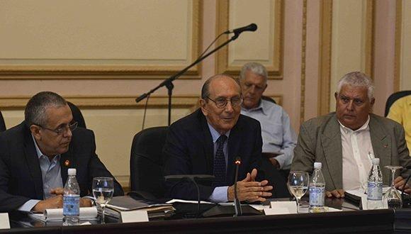 Parlamento cubano se pronuncia, una vez más, contra la Ley Helms-Burton (+ Fotos)
